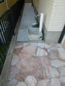 石貼り、砂利敷き